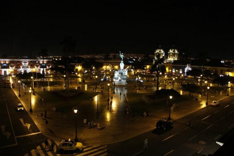 661-Trujillo-nocturno [800x600]