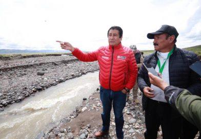 Ministro de Vivienda visita puntos críticos ante amenaza de desbordes de ríos en la región Puno